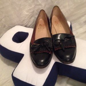 Salvatore Ferragamo black leather flats shoes 8 AA